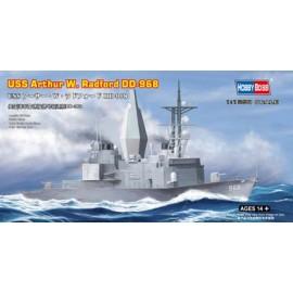 Plastic kit ships HB82505