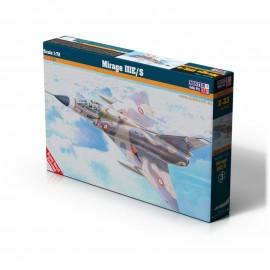 Plastic kit planes E033