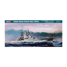 Plastic kit ships HB86502